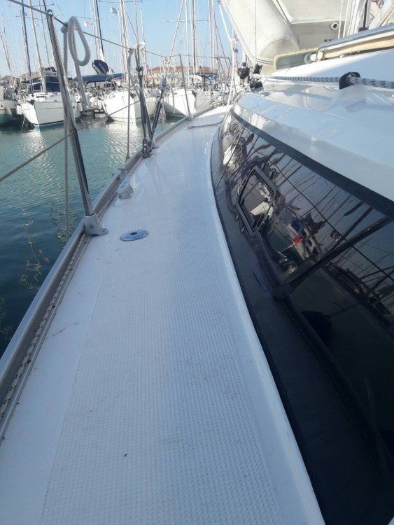Rental yacht Peloponnese, West Greece and Ionian Sea - Bavaria Bavaria Cruiser 37 on SamBoat