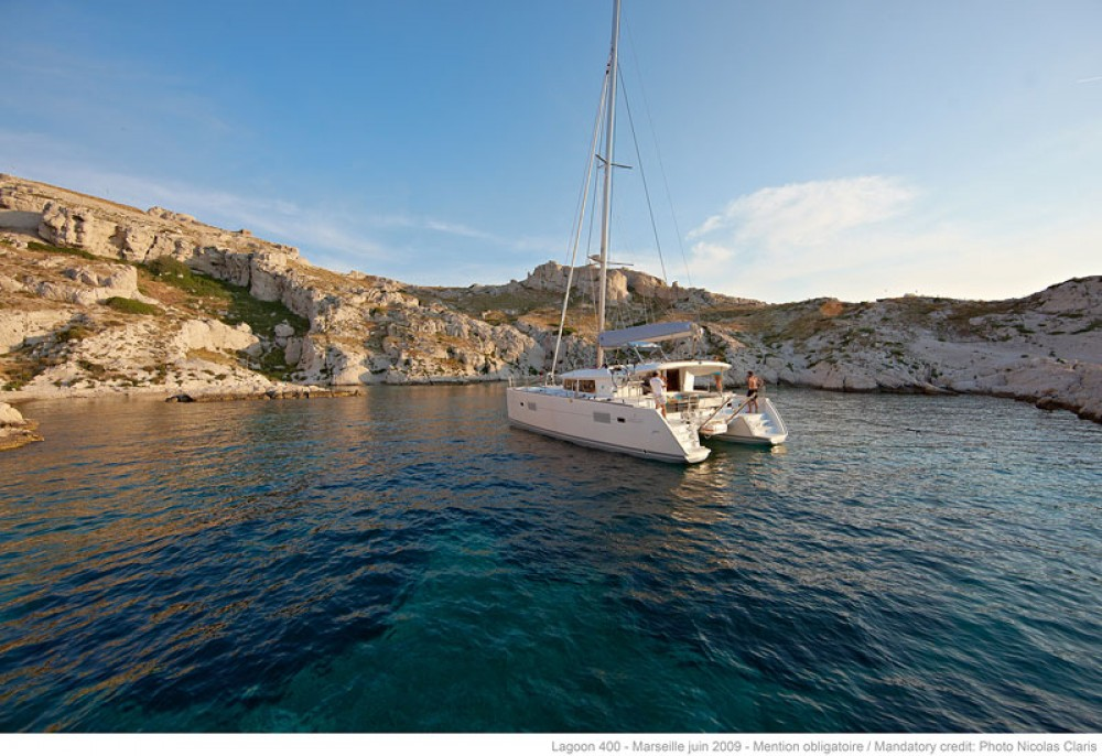 Boat rental Athens cheap Lagoon 400 S2