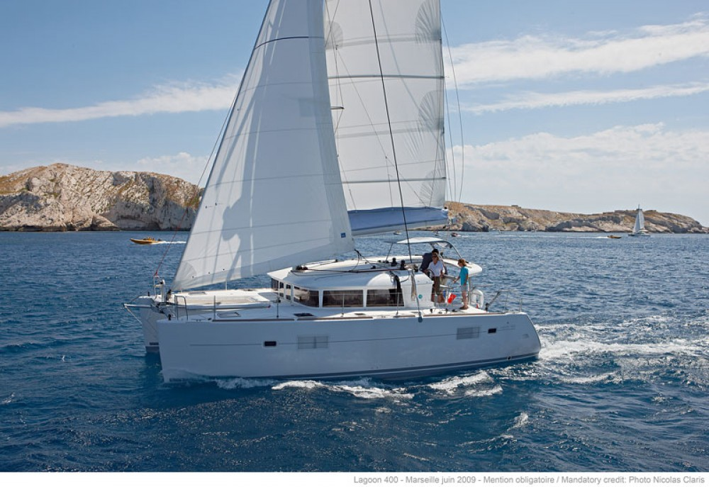 Hire Catamaran with or without skipper Lagoon Kalafationes