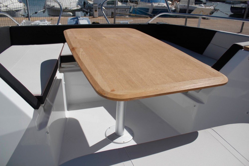 Rental Motor boat in Cambrils - Bénéteau Flyer 8.8