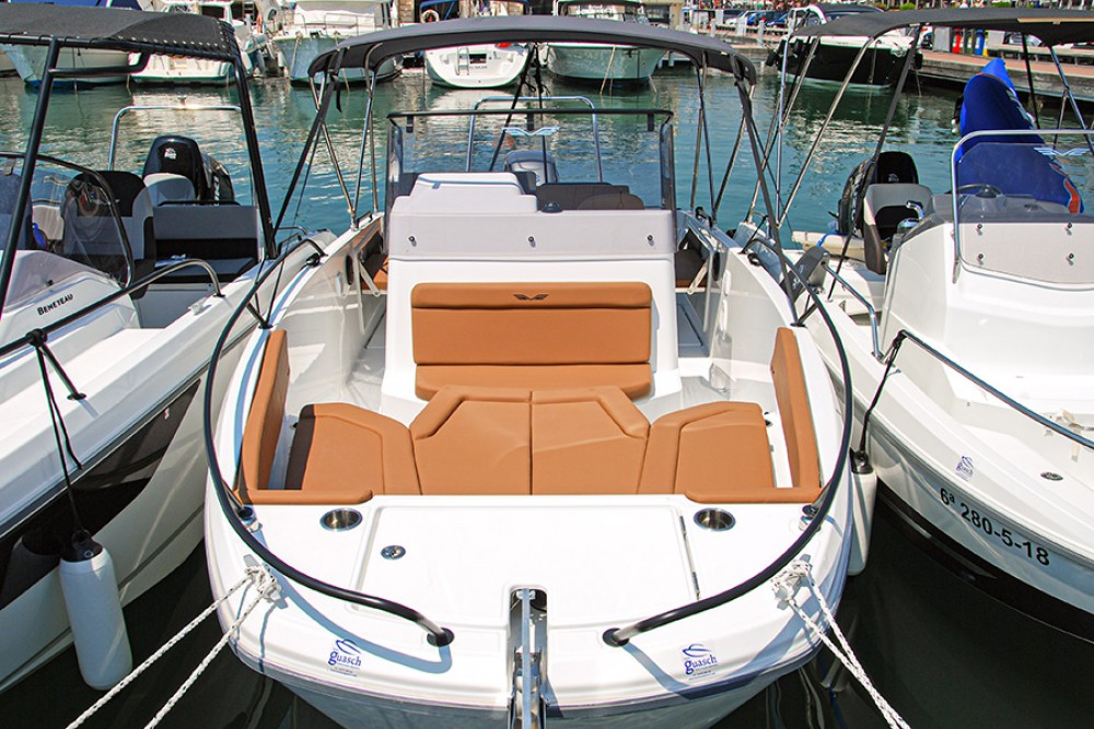 Hire Motor boat with or without skipper Bénéteau Cambrils