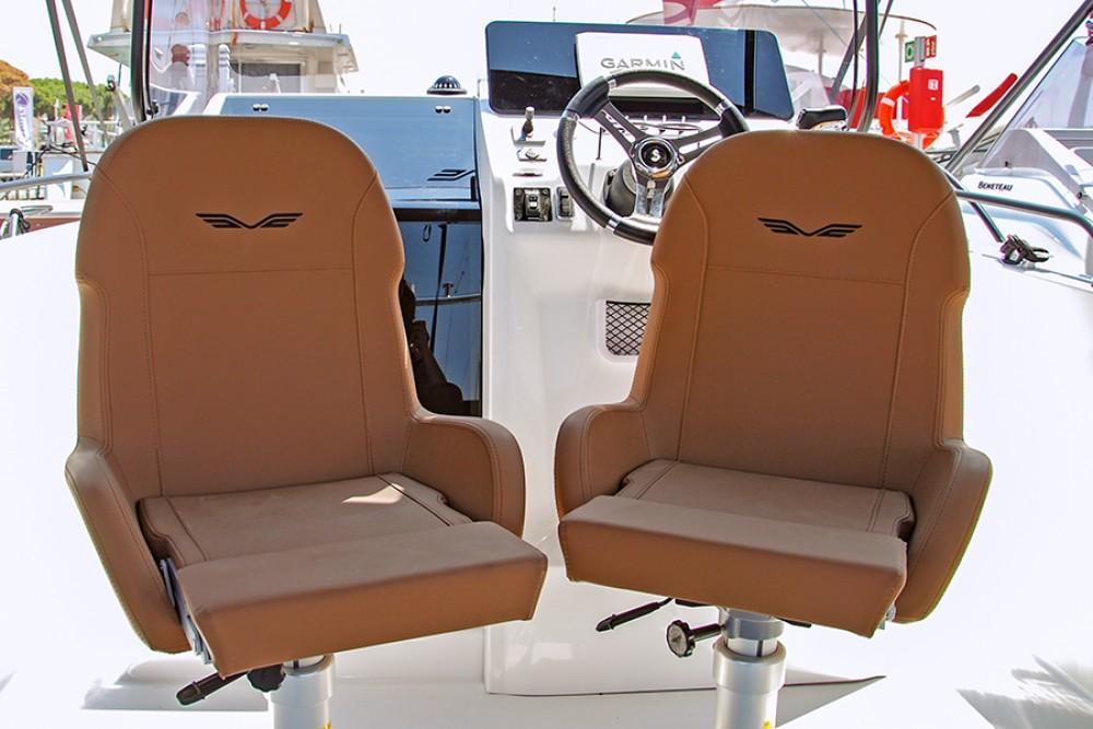 Rental Motor boat in Cambrils - Bénéteau Flyer 8