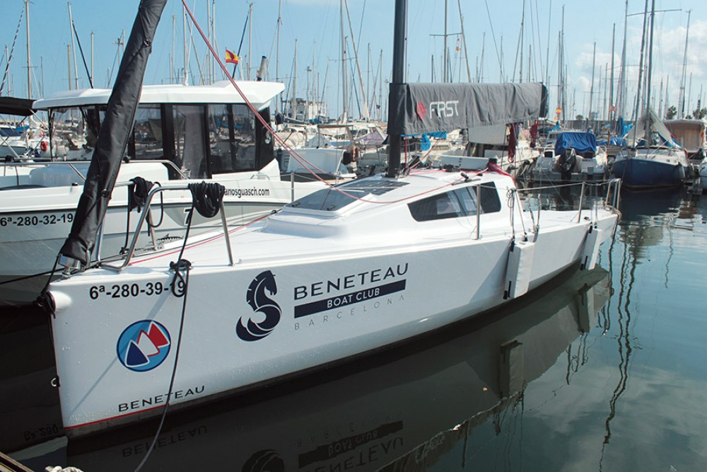 Bénéteau FIRST 24 between personal and professional