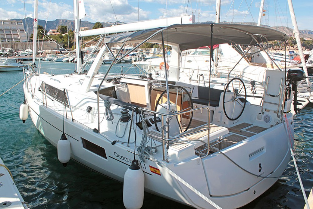 Rental Sailboat in Palma - Bénéteau Oceanis 41.1