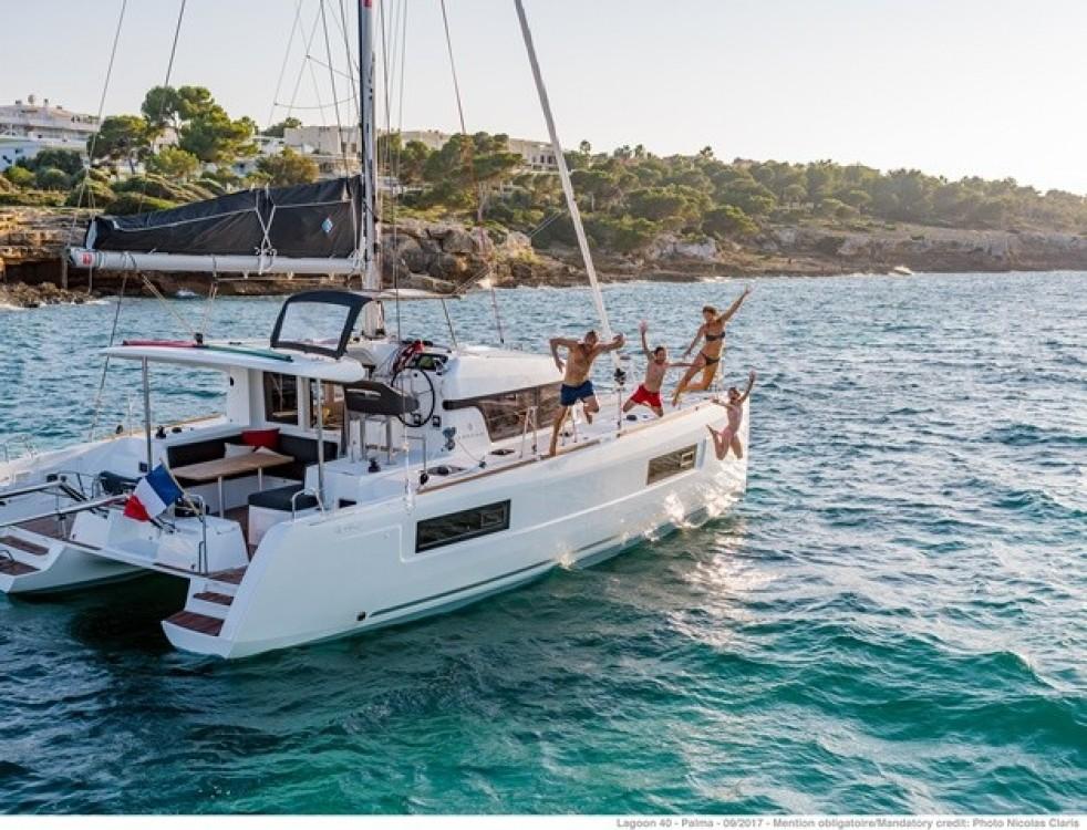 Boat rental Athens cheap Lagoon 40