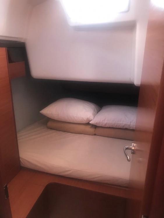 Rental Sailboat in Grad Pula - Dufour Dufour 360 Liberty
