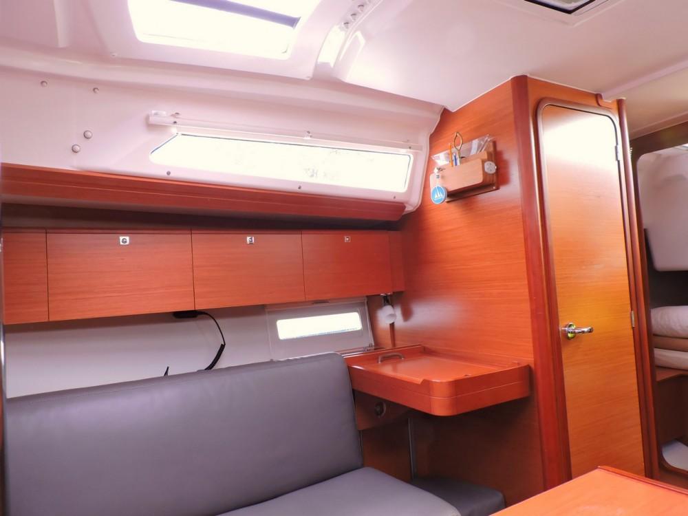 Rental yacht Grad Pula - Dufour Dufour 360 Liberty on SamBoat