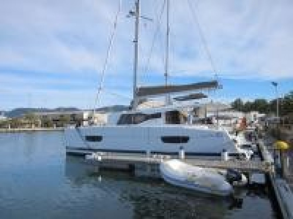 Boat rental Lucia Lucia 40 in Italy on Samboat