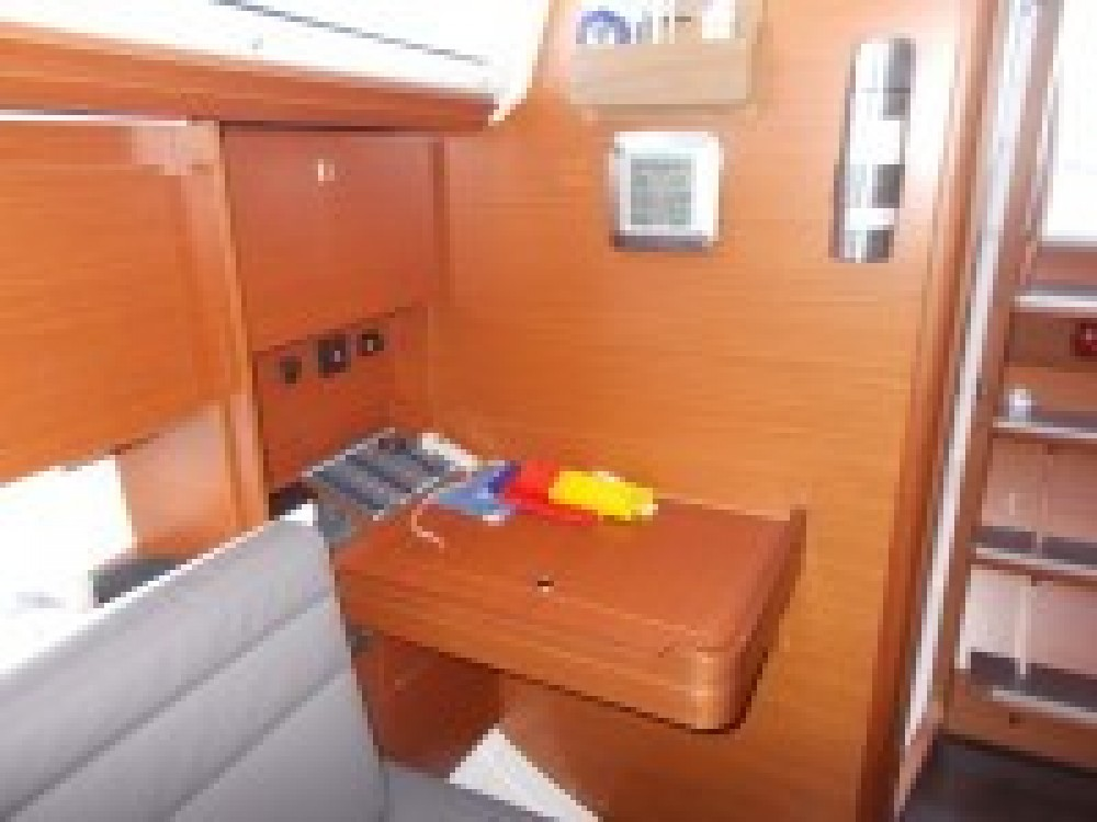 Rental Sailboat in Italy - Dufour Dufour 310