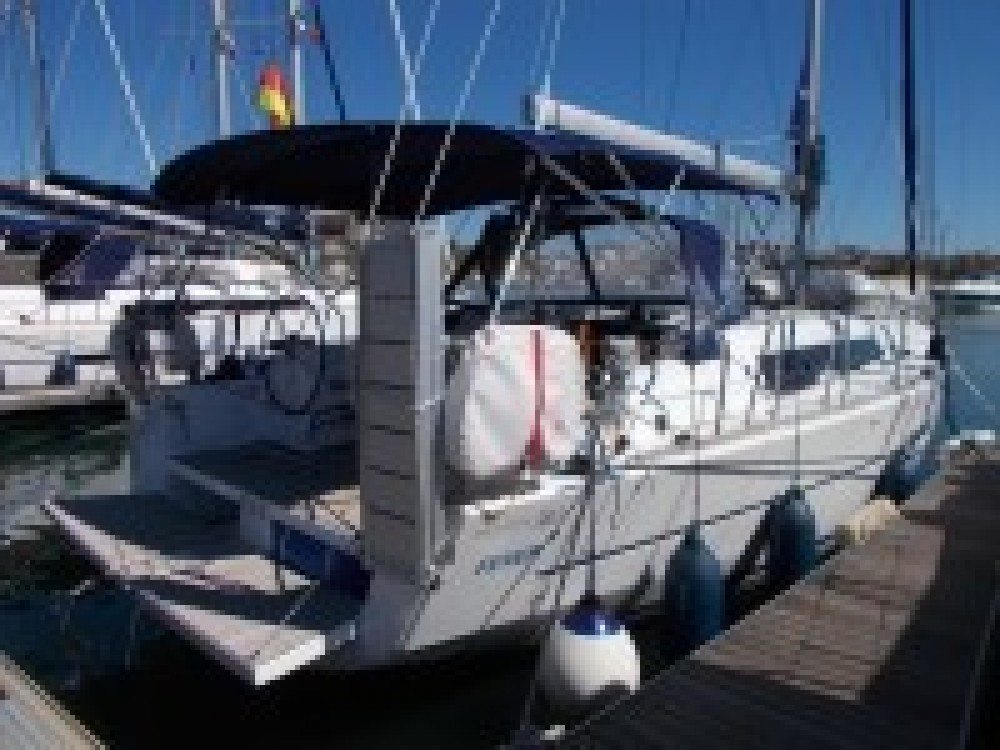 Hire Sailboat with or without skipper Dufour Italia
