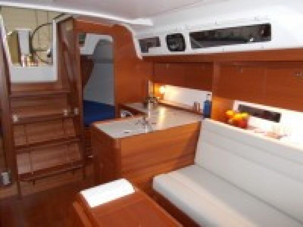 Rental Sailboat in Italy - Dufour Dufour 350