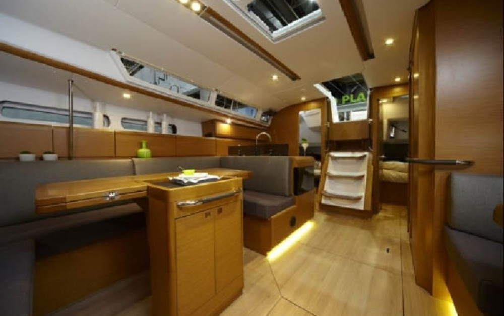 Jeanneau Sun Odyssey 449 between personal and professional Greece