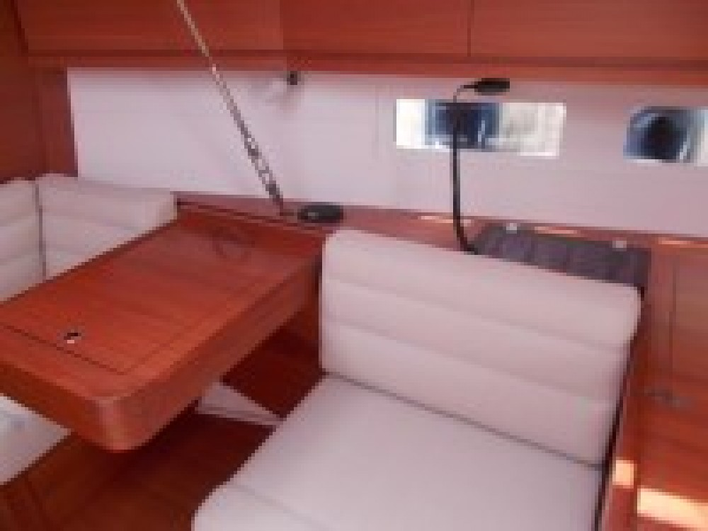 Rental Sailboat in Italy - Dufour Dufour 410 Grand Large