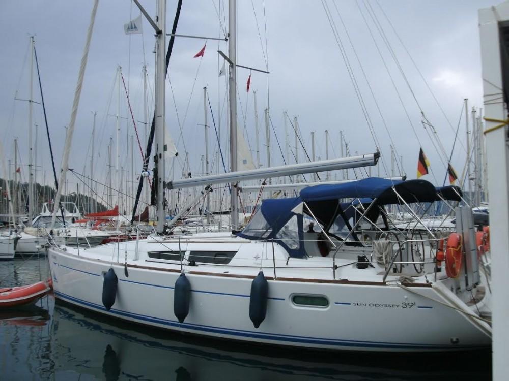 Rental Sailboat in Pula - Jeanneau Sun Odyssey 409