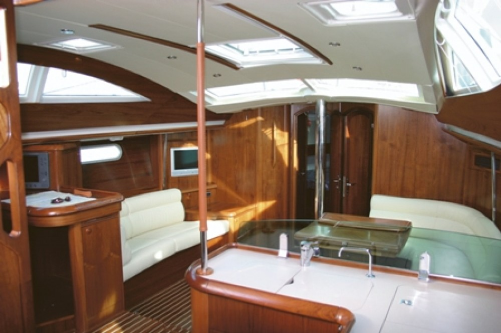 Jeanneau Sun Odyssey 49 DS between personal and professional Grad Pula