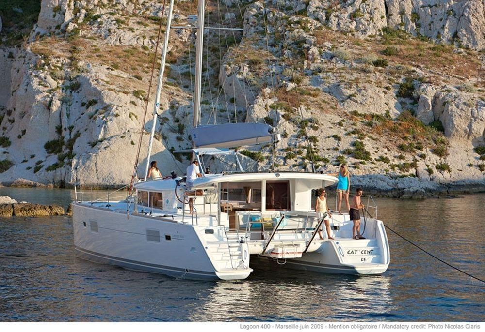 Boat rental Lagoon Lagoon 400 S2 in Atene on Samboat