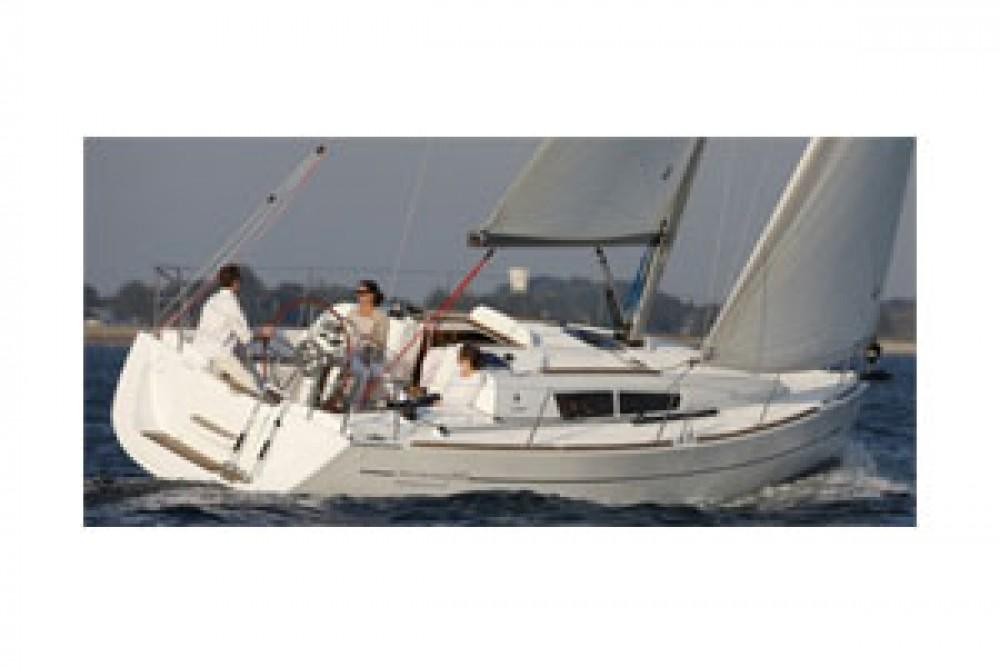 Boat rental Jeanneau Sun Odyssey 33i in Kalafationes on Samboat