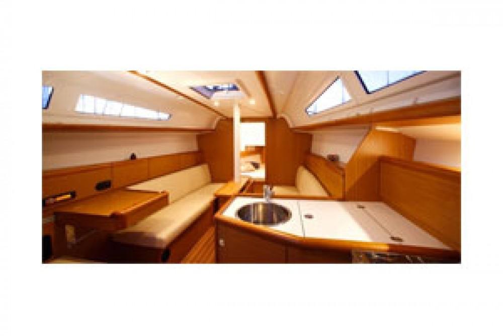 Rental yacht Kalafationes - Jeanneau Sun Odyssey 33i on SamBoat