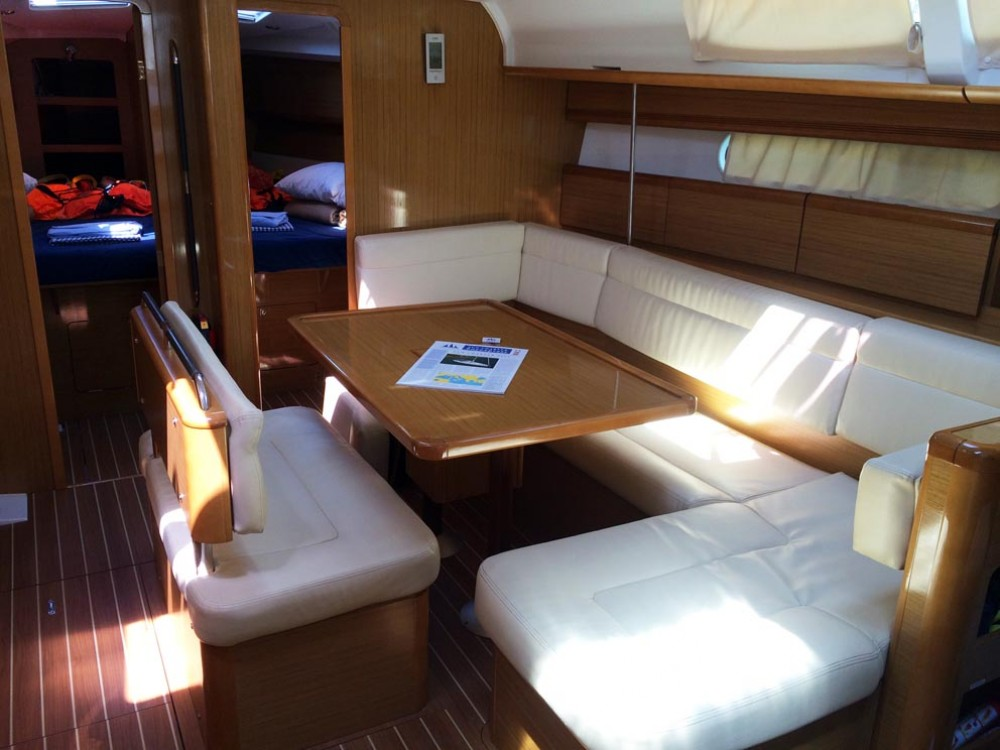 Boat rental Jeanneau Sun Odyssey 44i in Grad Pula on Samboat