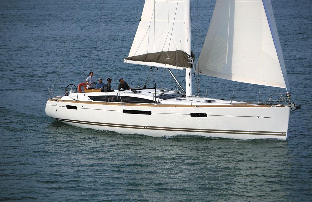Boat rental Laurium cheap Jeanneau 53 6c
