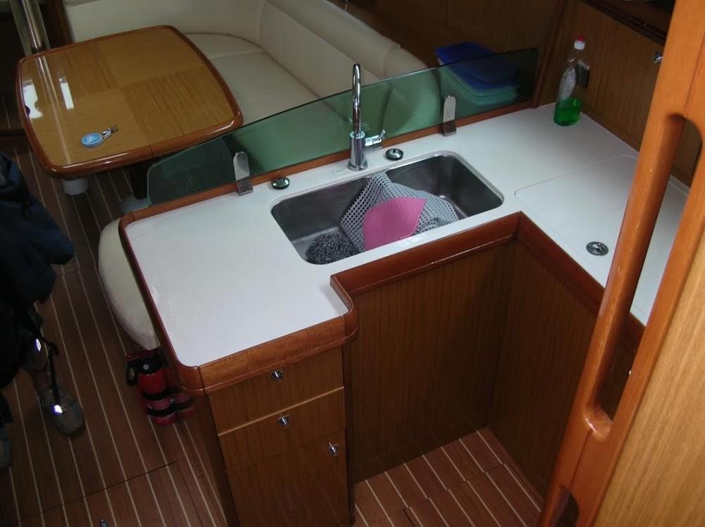 Boat rental Grad Pula cheap Sun Odyssey 39i
