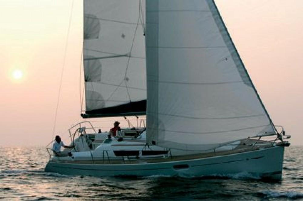 Rental yacht Kalafationes - Jeanneau Sun Odyssey 36i on SamBoat