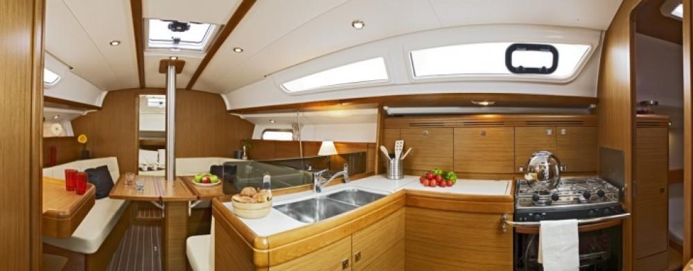 Boat rental Jeanneau Sun Odyssey 36i in Athens on Samboat