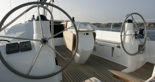 Jeanneau Sun Odyssey 42i between personal and professional Λαύριο
