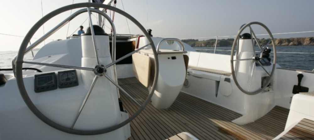 Boat rental Jeanneau Sun Odyssey 42i in Keramoti on Samboat