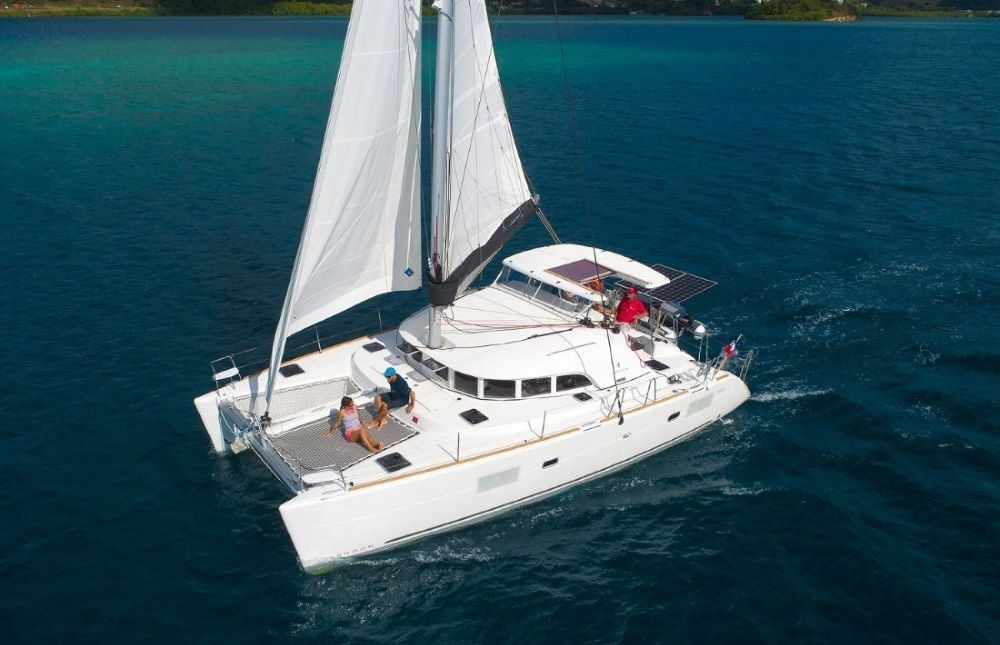 Rental yacht Martinique - CNB Lagoon 380 on SamBoat