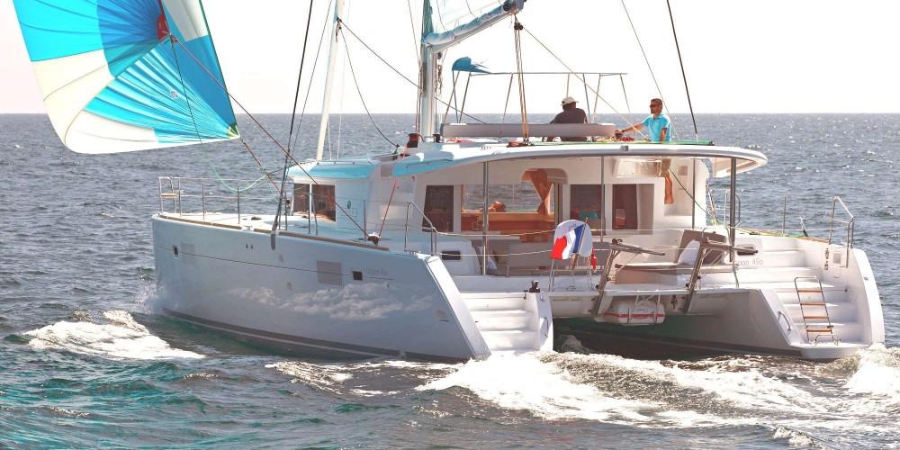 Rental Catamaran in Calliaqua - CNB Lagoon 450 F