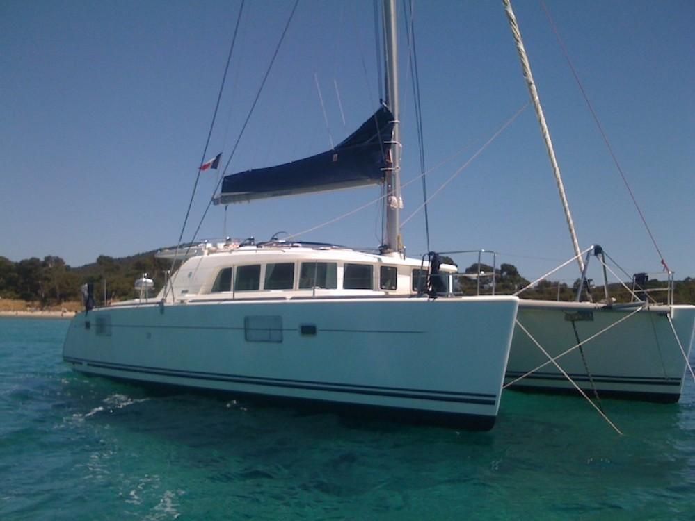 Hire Catamaran with or without skipper Lagoon Port Saint-Pierre