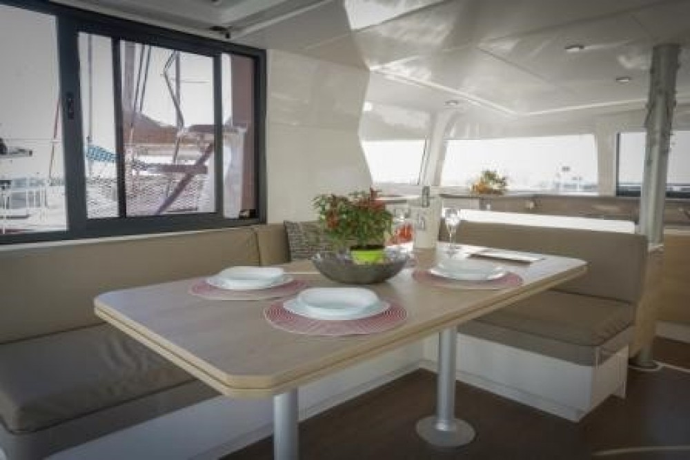 Catana Group Bali 4.1 between personal and professional Italie
