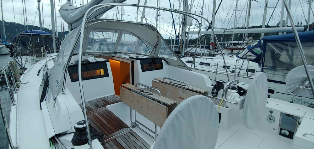 Boat rental Puerto Montt cheap Elan GT5