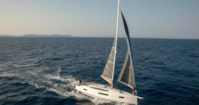 Rental yacht Lefkas Egremni - Jeanneau Sun Odyssey 410 on SamBoat