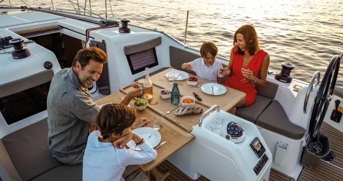 Boat rental Jeanneau Sun Odyssey 410 in Lefkas Egremni on Samboat