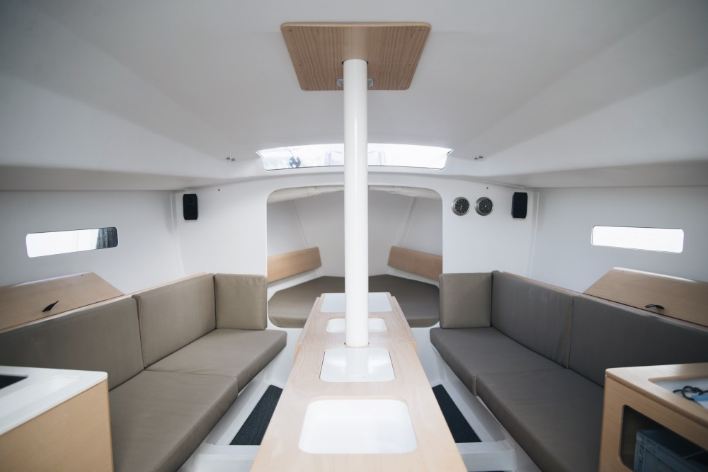 Hire Sailboat with or without skipper Structures Roses