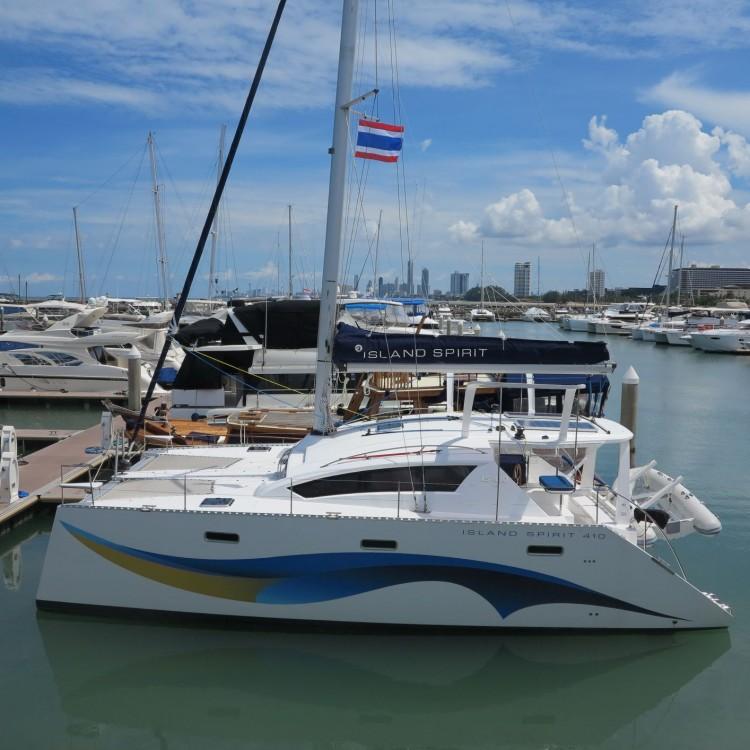 Boat rental  cheap Island Spirit 400