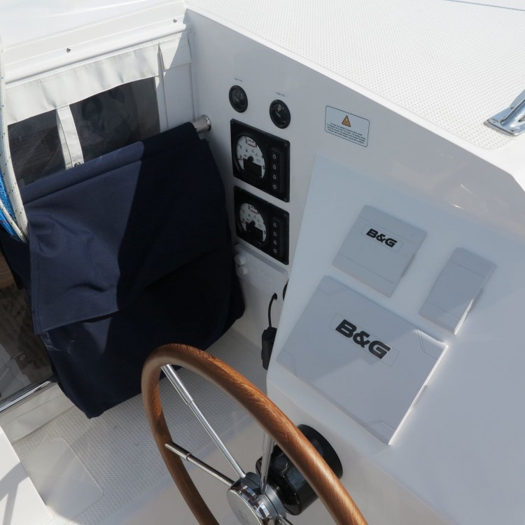 Rent a  Island Spirit 400