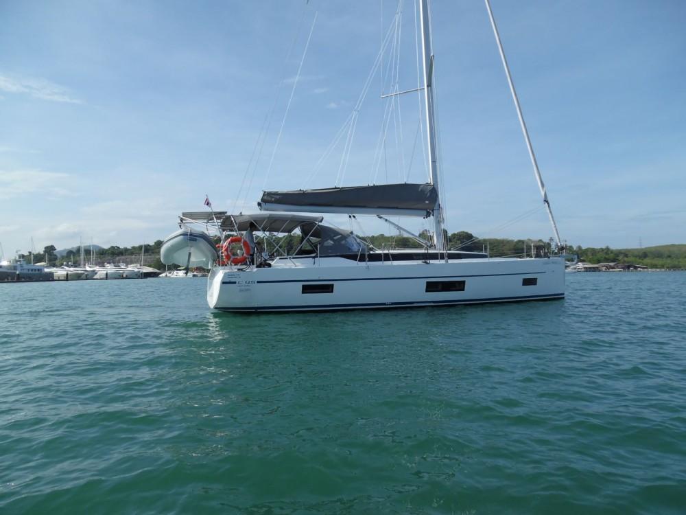 Boat rental Phuket cheap Bavaria Cruiser 45