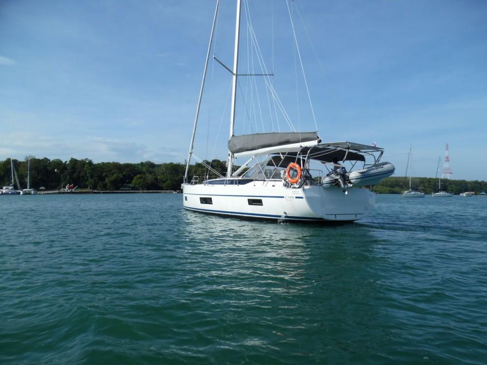 Boat rental Bavaria Bavaria 45 in Phuket on Samboat