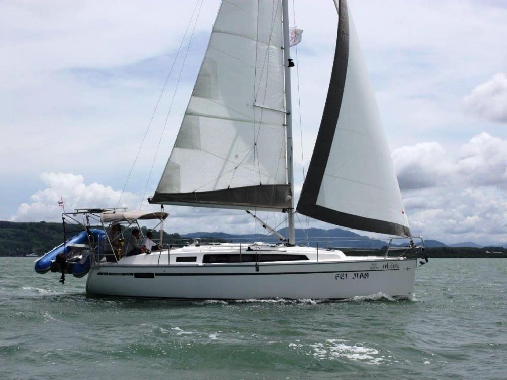 Boat rental Phuket cheap Bavaria 33 Cruiser