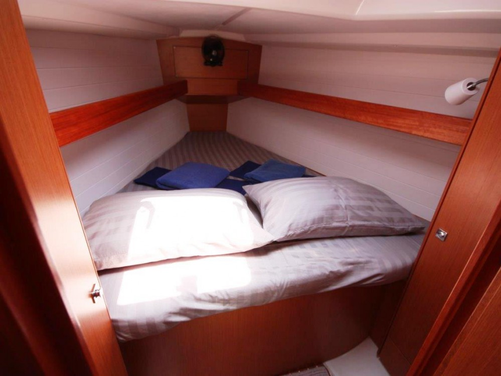 Rental Sailboat in Phuket - Bavaria Bavaria 33 Cruiser