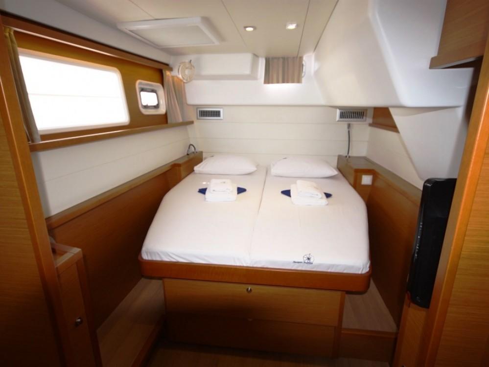 Rental Catamaran in Phuket - Lagoon Lagoon 450