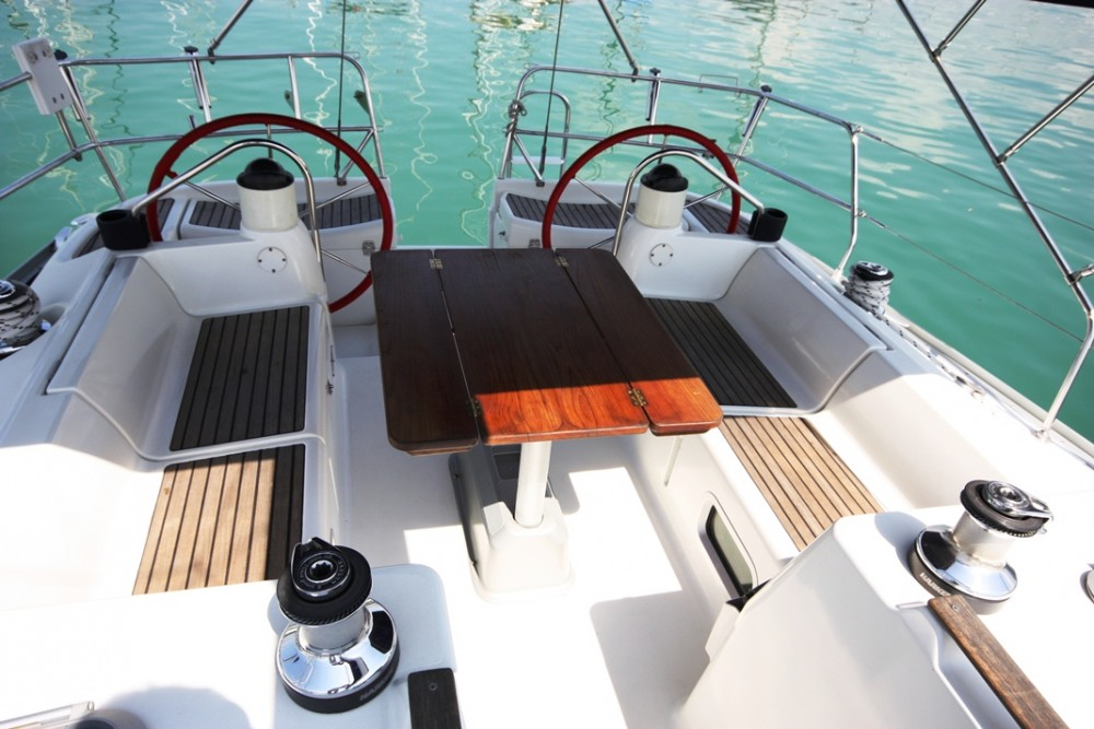 Jeanneau Sun Odyssey 40 between personal and professional Phuket