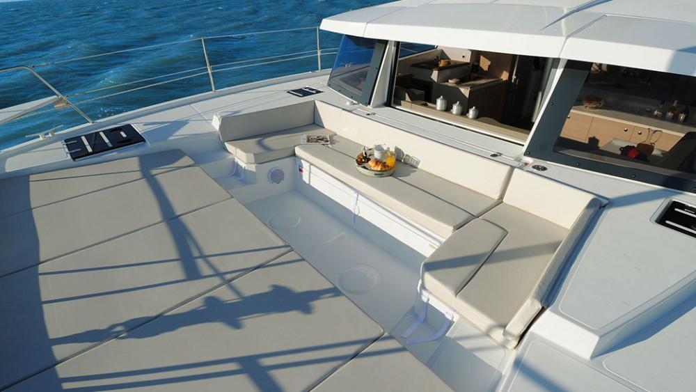 Rental Catamaran Bali Catamaran with a permit