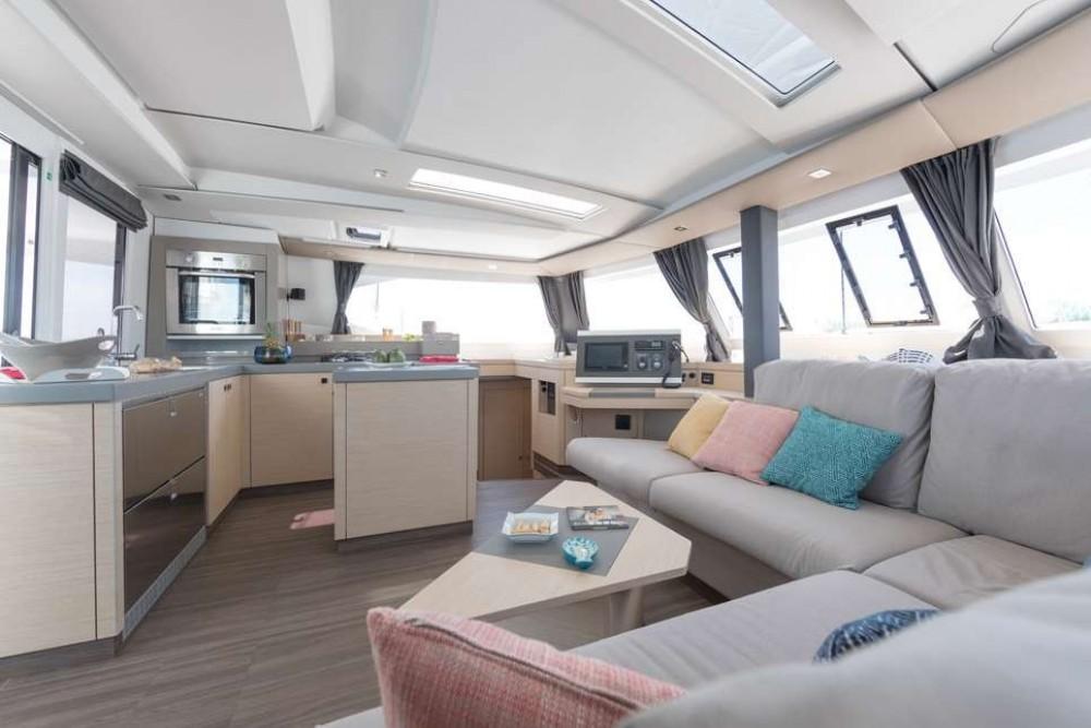 Boat rental Athens cheap Saona 47