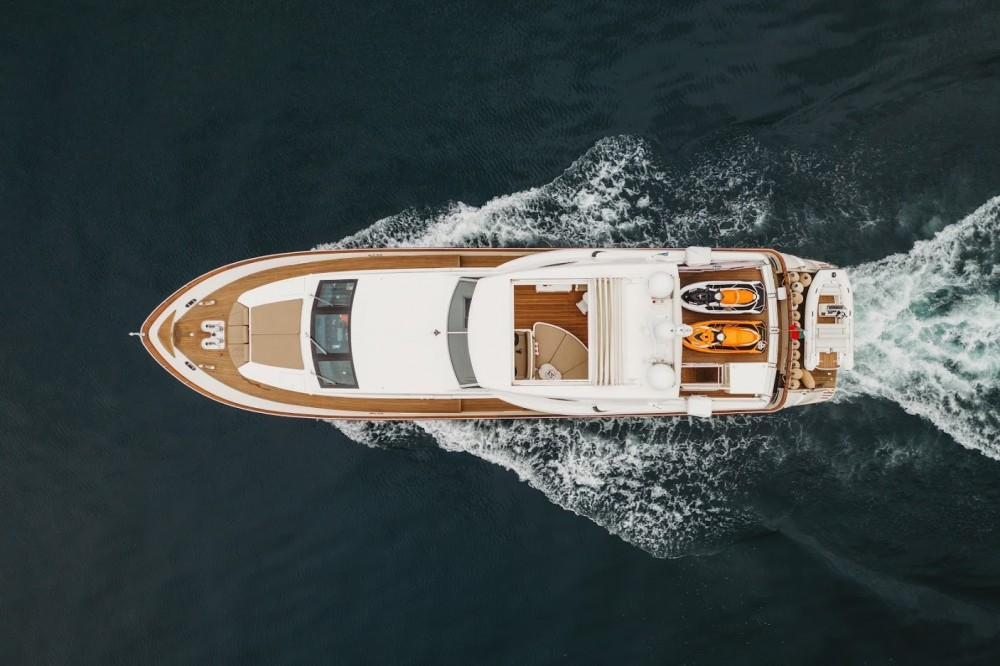 Rental Yacht Falcon with a permit