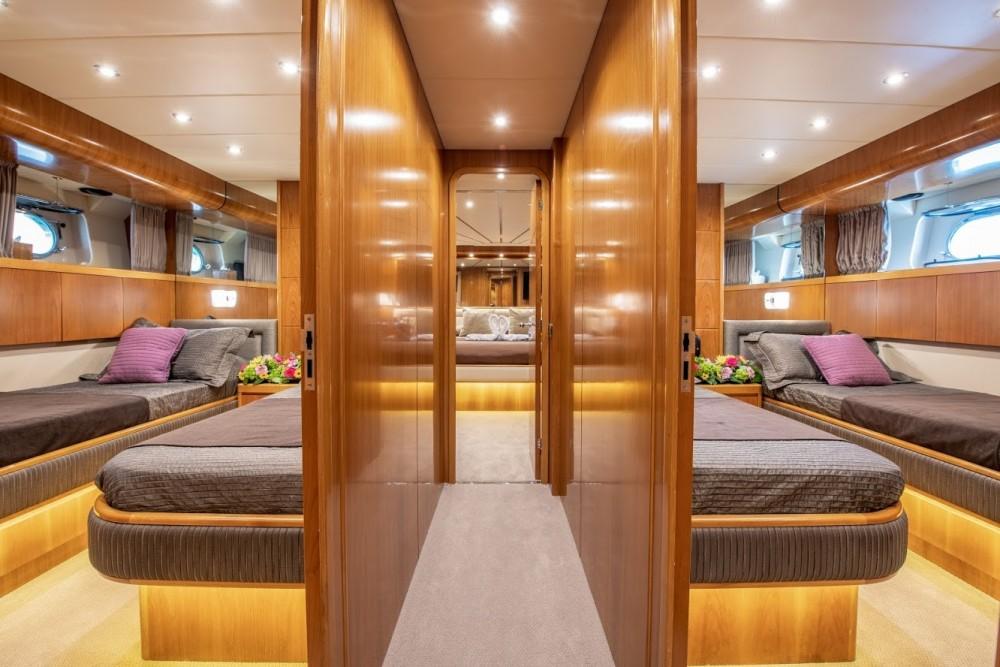 Boat rental Athènes cheap Falcon 92