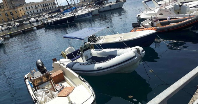 Rental Motorboat in Furnari - Italboat Predator 590